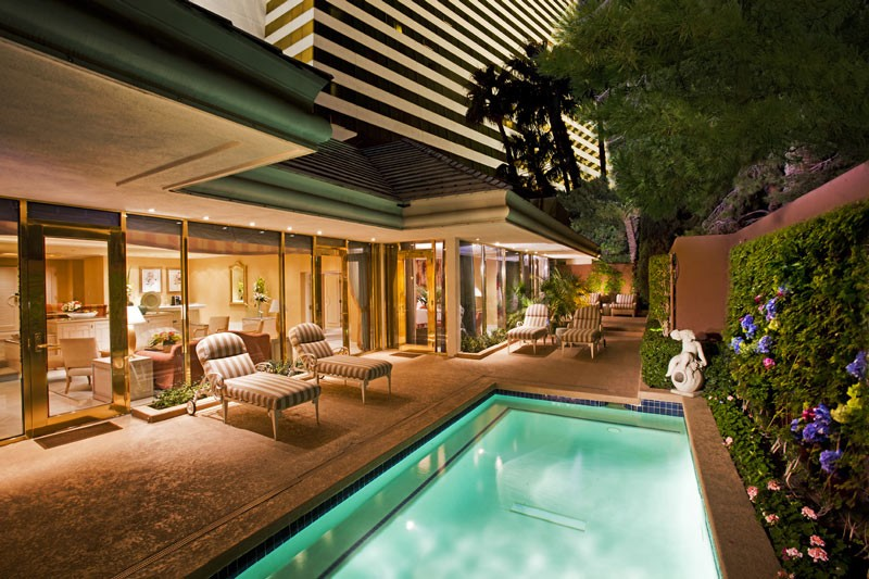 ladyhattan travel blog las vegas bachelorette party suites