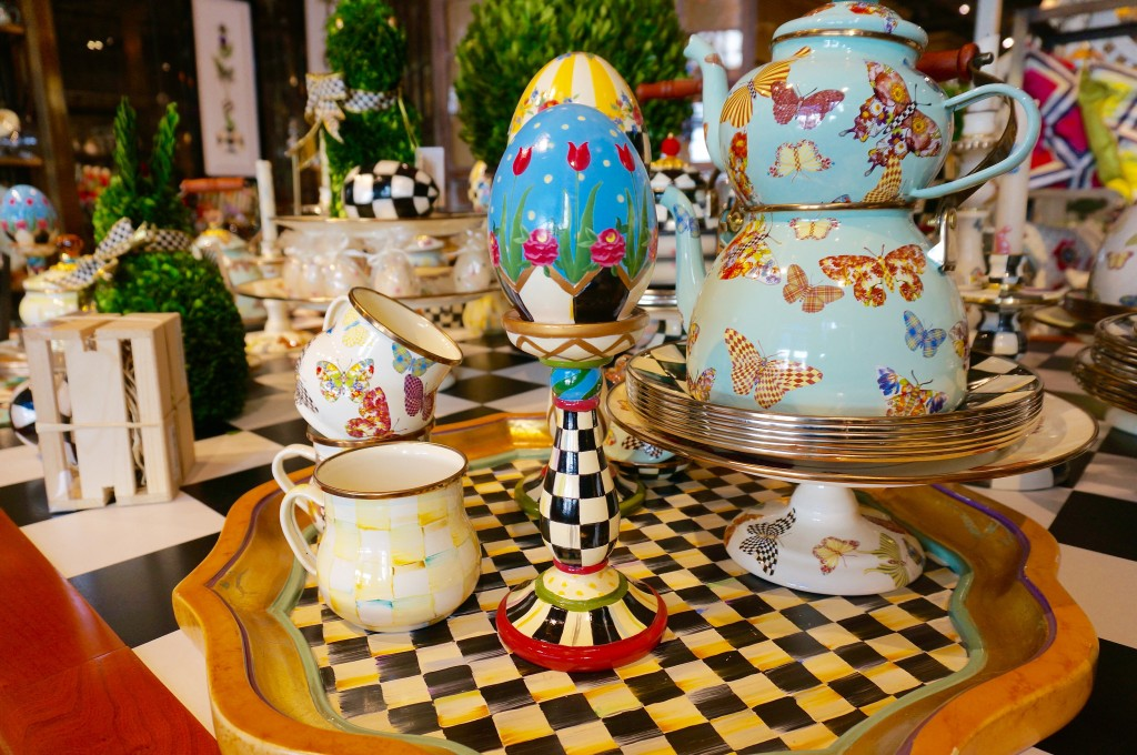 Ladyhattan Luxury Lifestyle And Travel Blog Nyc Mackenzie Childs Spring Decor Entertaining