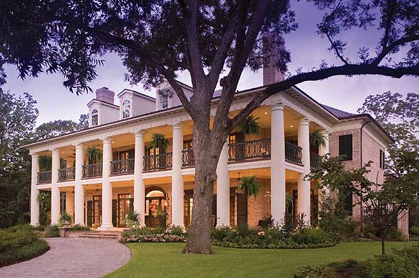 10 reasons a lady will always love the south ladyhattan for Luxury plantation home plans