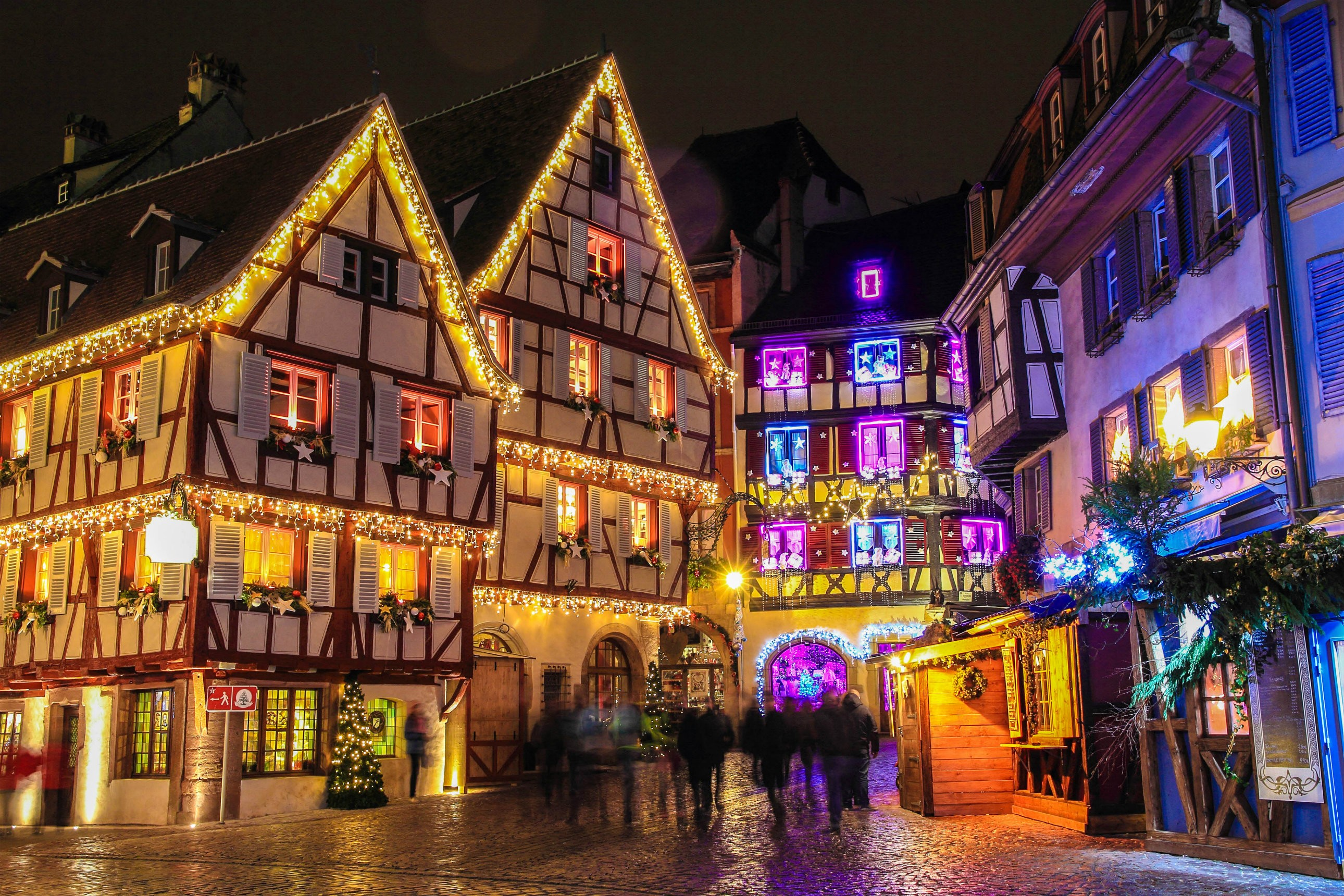 strasbourg france explore the holiday markets ladyhattan - France Christmas