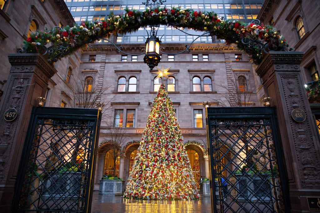 Manhattan – Top 10 Most Festive Holiday Spots in NYC